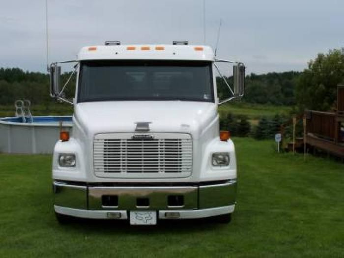 Freightliner Trucks Toy Hauler – Wow Blog