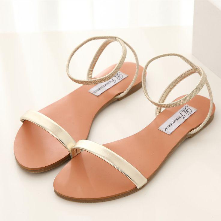 Высокое качество эластичный Flatbottomed летние женские туфли с открытым носком черные и золотой плоские сандалии для девочек 2015 горячий мода размер 35   39 купить на AliExpress