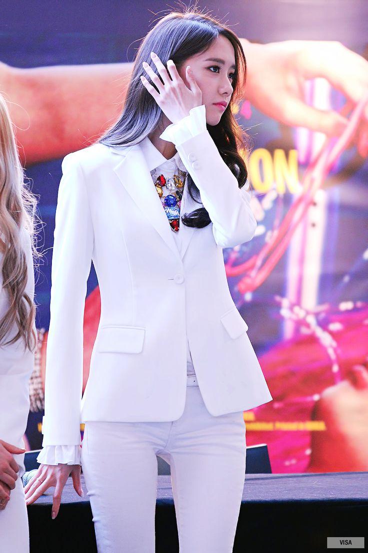 Yoona SNSD fansign Girls Generation 140314
