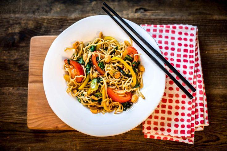 Paksoi is een Aziatische groente die intussen ook in Europa erg geliefd is. Om het jou makkelijk te maken hebben we de paksoi alvast voorgesneden. Omdat dit gerecht dankzij de sesamolie, sambal en kardemom best pittig is, let je best extra op met hoeveelheden als je kinderen aan tafel hebt zitten.