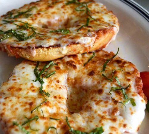 pizza bagels <3