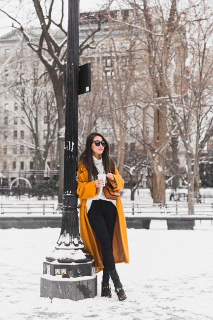 Styling long winter coats! I really adore oversized coats. One, they're much easier to layer chunky thick sweaters under, and two, they feel super cozy.