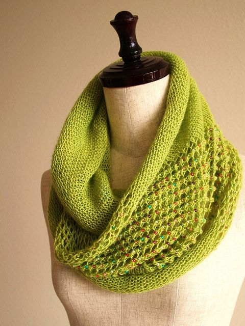 "free cowl knitting patterns | ... free infinity cowl knitting pattern download. Her ""Jeweled Cowl"" is a"