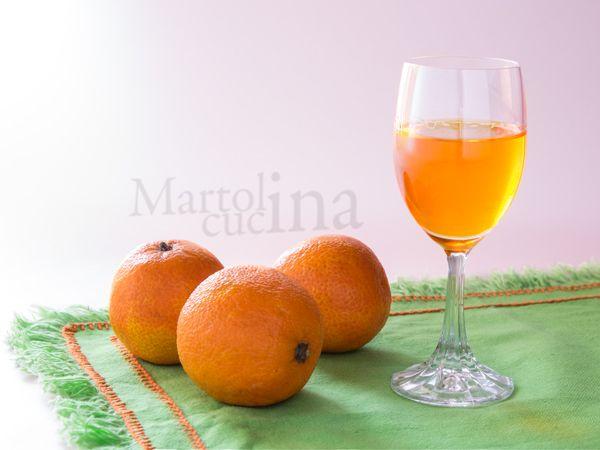 LIQUORE AL MANDARINO O MANDARINETTO #liquore #mandarini #natale #regalo