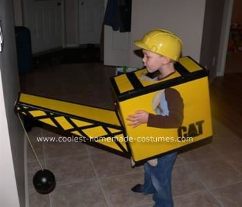 Homemade Construction Crane Costume: This year when I asked my 3 ½ year old son what he wanted to be for Halloween I couldn't help but think Oh great!!  Just my luck!?.  This was the first