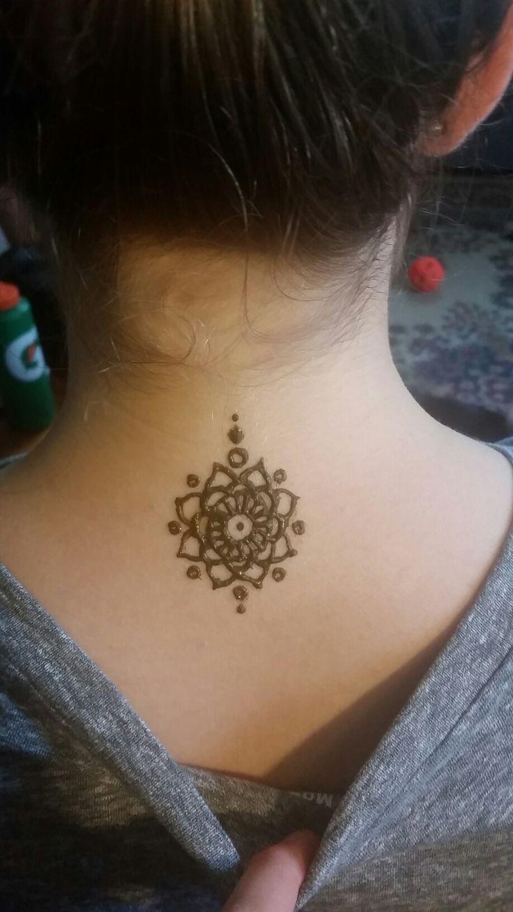 Simple neck henna