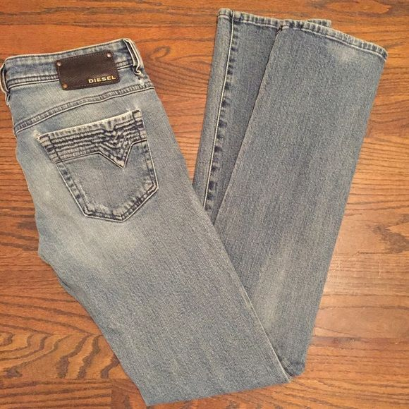 """DIESEL RONHY Jeans size W26 L32 SALE These are worn in Diesel Industry jeans size 26"""" waist and 32"""" length. They are worn at the pocket seams and belt loops. Everything else is in perfect shape. The hemline is clean and crisp and I do not see any stains. This is a great pair of stylish jeans! Diesel Jeans"""