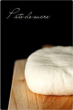 Pâte de sucre maison (pour décoration de gâteau)