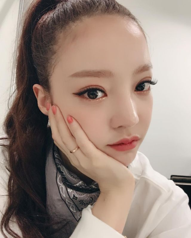 Hancinema S News Goo Ha Ra Admits To Double Eyelid Surgery Goo Hara Eyelid Surgery Double Eyelid