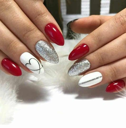 90+ Easy and DIY Valentine Day Nails Acrylic Art Designs Ideas with Red Hearts -Howlives.com