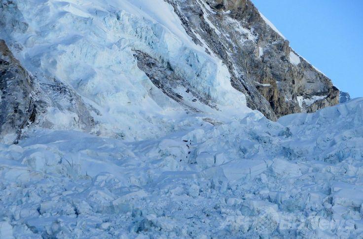 世界最高峰エベレスト(Everest)クンブ(Khumbu)氷瀑(ひょうばく)の雪崩が発生した現場(2014年4月18日撮影)。(c)AFP/ROBERT KAY ▼1May2014AFP ネパール、エベレスト雪崩事故めぐり大きな影響 http://www.afpbb.com/articles/-/3013926 #Everest #Khumbu #Khumbu_Icefall