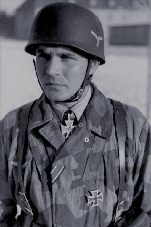 Feldwebel Bruno Sassen (1918-2006), Zugführer in der 10./Fallschirmjäger Regiment 3, Ritterkreuz 22.02.1942