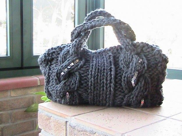 Bauletto in lana - Borsa grigia ai ferri.