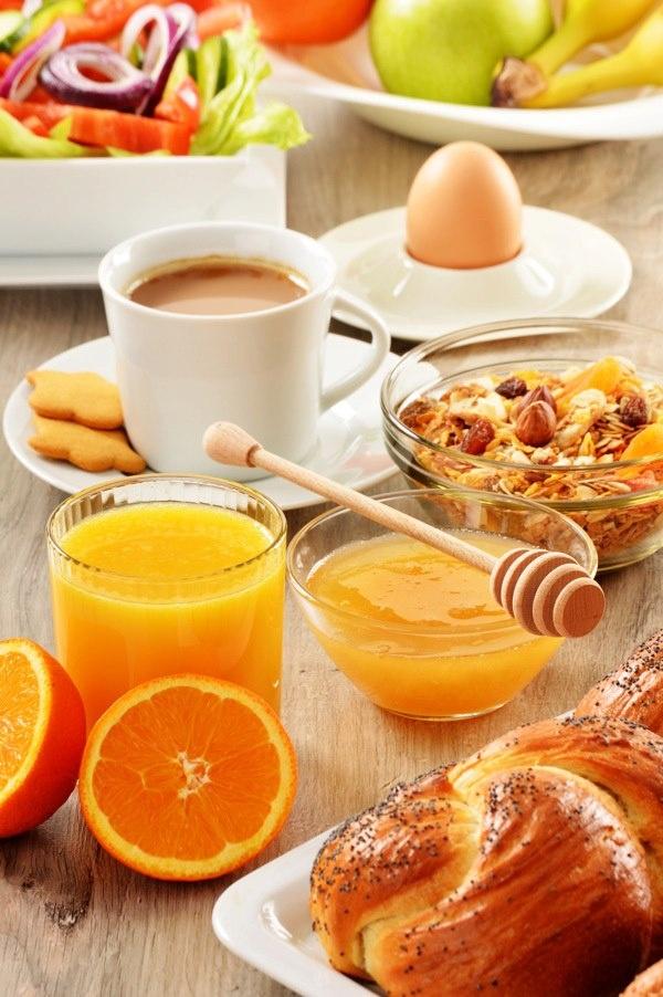 Bom dia!!  Que tal um café da manhã assim?    Foto de Tofino Monticello
