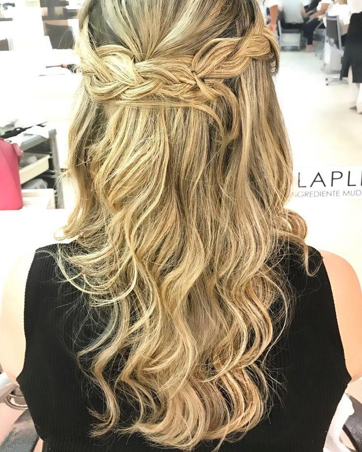 Penteado para quem não gosta de penteados (com cabelo preso). Feito pela minha cabeleireira favorita faz minha cor maquiagem penteado e se eu tivesse faria barba e bigode  @flaviawenderroscky u rock! Quem precisar de serviço completo ou um tapa no visual ela fica no @wernercoiffeur do @barrashoppingoficial #braids #hairstyle