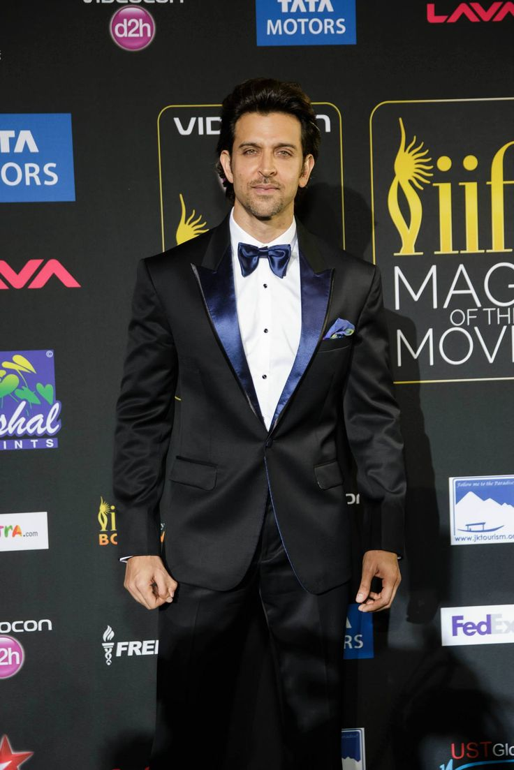 Hrithik Roshan looks absolutely dapper in this gorgeous and well-cut suit.