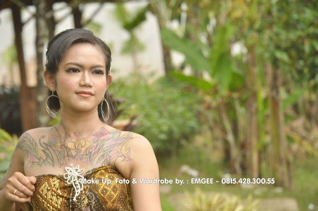 MG Fotografi - Fotografer Banyumas / Fotografer Purwokerto: Indonesia Batik Traditional Tatto Girl - Foto, Make up & Wardrobe dikerjakan oleh KLIKMG.COM (Rias Pengantin Indonesia)