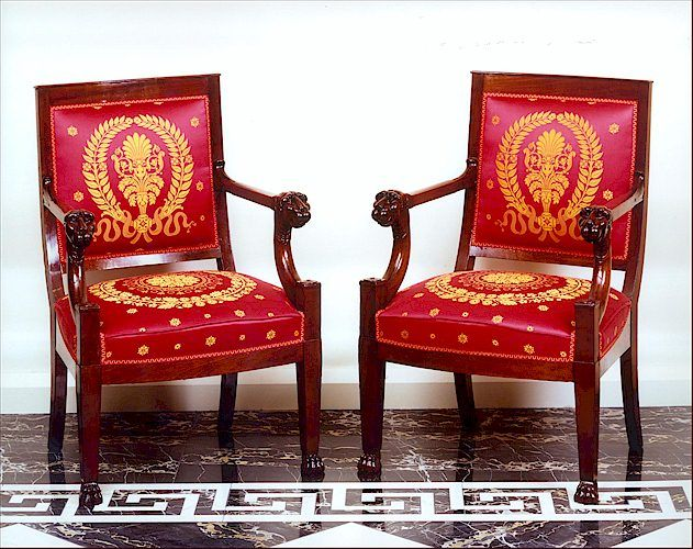 dating furniture feet Traditional furniture and 18th century furniture pieces tend to exhibit more carving than  or even a serpent's head can form legs and feet for.