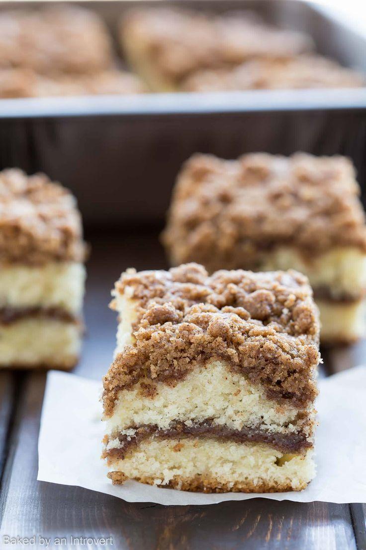 Cinnamon Crumb Coffee Cake | http://bakedbyanintrovert.com /introvertbaker/