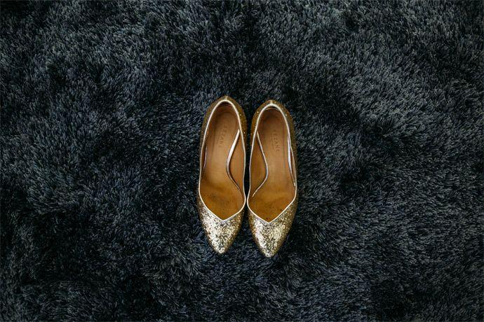 Mariage de Typhaine et Ludovic - Centre-Val de Loire   Photographe : Studiohuit   Donne-moi ta main - Blog mariage  #chaussures #sézane #shoes #escarpins #ShoesAddict #RobeDeMariée #Mariée #bride #photographe #PhotographeMariage #mariage #wedding #BlogMariage #weddingBlog