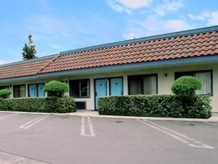 Riverside (CA) Rodeway Inn United States, North America Stop at Rodeway Inn to discover the wonders of Riverside (CA). The hotel offers guests a range of services and amenities designed to provide comfort and convenience. Facilities like free Wi-Fi in all rooms, Wi-Fi in public areas, car park, pets allowed are readily available for you to enjoy. Each guestroom is elegantly furnished and equipped with handy amenities. The hotel offers various recreational opportunities. For re...