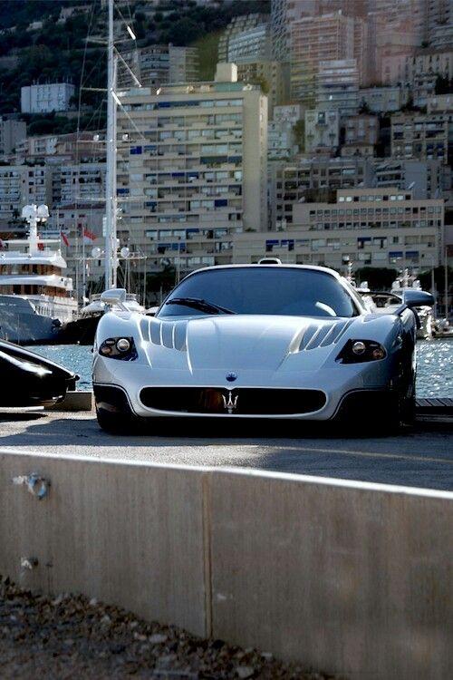 Maserati. on The Road of Monaco//Maserati est la marque d'un constructeur automobile italien de voitures de luxe, de sport et de course fondé par les frères Maserati en 1914 et dont le symbole est un trident inspiré de la fontaine de Neptune de Bologne. Wikipédia