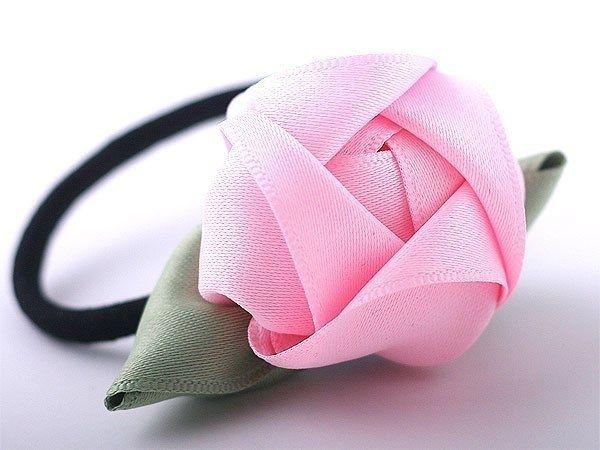 Великолепные объемные розы из лент. Фото мастер-класс.