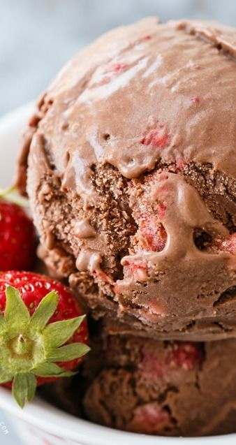 Dark Chocolate Strawberry Ice Cream - perfect to cool off with this summer!