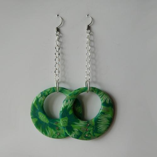 Krásné náušnice v zelených tónech ve tvaru kruhů s kamínky. www.online-sperky.eu