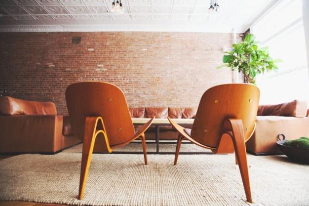 WNĘTRZA Z POŁYSKIEM na FUTU.PL Home Polish to agencja, która w Nowym Jorku oferuje usługi dwudziestu pięciu topowych architektów wnętrz. Projekt wnętrza dla firmy lub prywatnego apartamentu można zamówić wybierając ofertę jednego z nich.