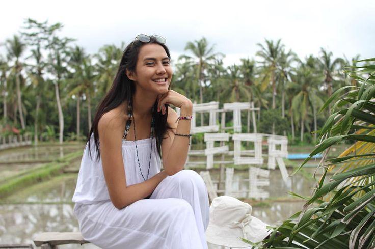 "288 Likes, 2 Comments - Veronika Krasna (@veronika.twns) on Instagram: ""Somewhere in ubud . . . . . . . . #explorebali#liveauthentic #livefolk #justgoshoot #iphoneonly…"""