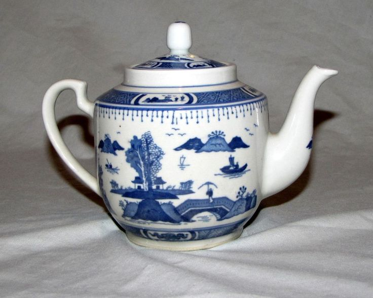 Vintage Porcelain Teapot Chinese Boats Ships Fisherman Dojos UNIQUE Design