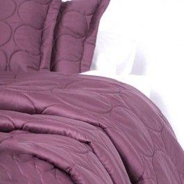 Sprei cevelit  merano  kleur : aubergine 260x270 cm. http://www.theobot.nl/collectie/13-bedtextiel/51-cevelit.html