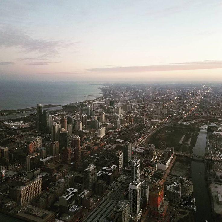 #chicago#usa#lakemichigan#view#city#comingwinter#amazingview#sky#photography#cityphotography#high#world#travel#travelgram#bigcitylife#nostalgia
