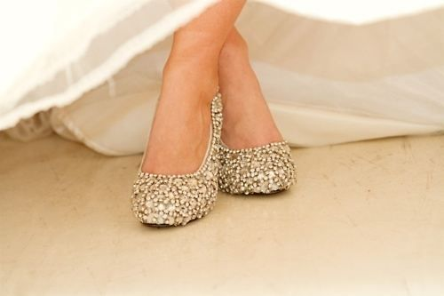 how pretty: Pretty Shoes, Ideas, Wedding Shoes, Sparkly Shoes, Cinderella Shoes, Glitter Shoes, Wedding Heels, Sparkle, Bride