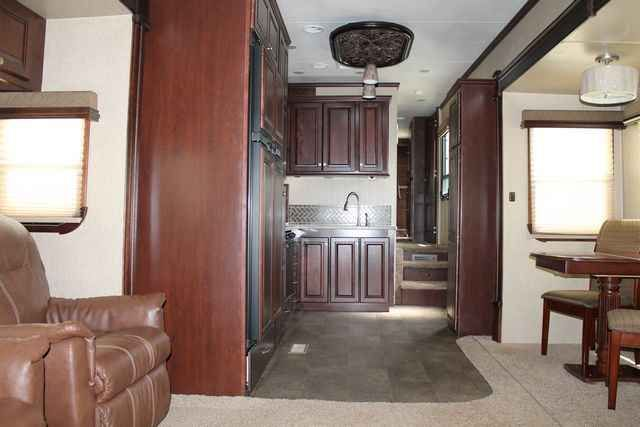 2013 Used Heartland Landmark SEQUOIA Fifth Wheel in Texas TX.Recreational Vehicle, rv, For an up-to-date listing of over 454 Used RVs for sale, including pictures and floor plans (click on stock number), visit our site at www.PPLmotorhomes.com!