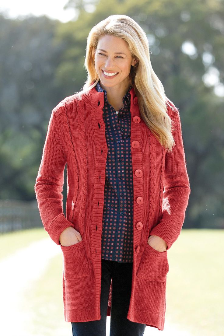 Women's fleece jackets and sweaters with brushed interiors feel soft and comfortable when the weather is chilly. A hooded fleece jacket provides extra coverage from the cold. Look for pockets and zippered compartments, so you can warm your hands or stash small essentials on the go.