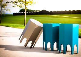 """CHEB FUSION COMBINEERT ARABISCHE TRADITIONELE DESIGN MET MODERNE STRAKKE LIJNEN. *** Meer lezen? *** Bellegem: """"Cheb Fusion"""" is een jonge onderneming die innovatieve Arabische designmeubelen en accessoires maakt. Gilles Wynant is reeds jaren gefascineerd door het magische karakter van Arabische en Mediterrane interieurs. In zijn ontwerpen combineert hij deze passie dan ook met een sterk gevoel voor strakke lijnen en verhoudingen die zo kenmerkend zijn voor hedendaags design meubilair."""