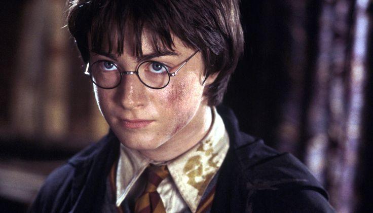 Стыдные вопросы проГарри Поттера: Чтопроисходит вкнигах Джоан Роулинг? Это длядетей, да? Какая еще пьеса?! — Meduza