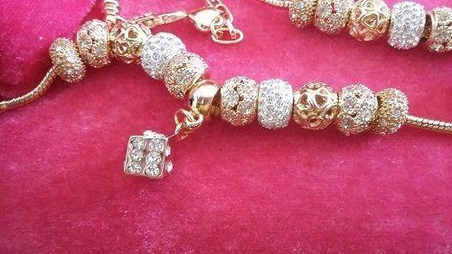 Bracelet charms cristal de swarovski et plaqué or