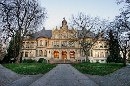 The historic Denny Hall at UW!University Of Washington, Beautiful Universe, Universe Of Washington, Seattle, Universe Scenery, Historical Dennis, Travel, Dennis Hall, Washington Auguste