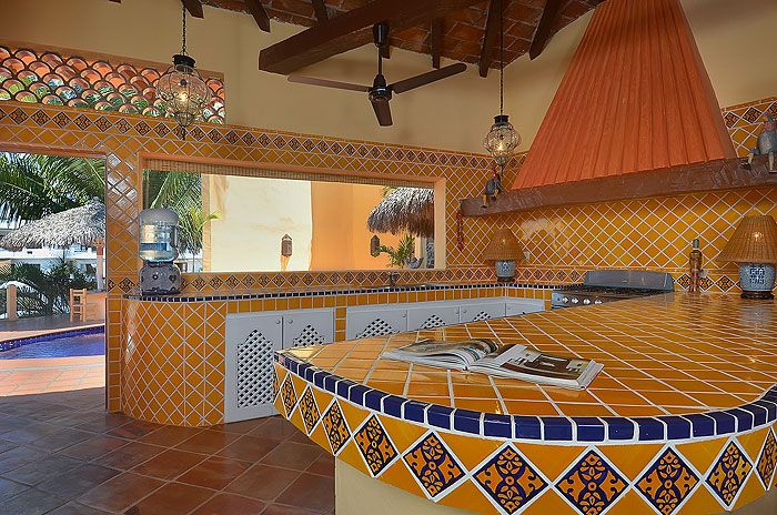 Mexican style indoor outdoor kitchen fantasy kitchens for Mexican style kitchen pictures