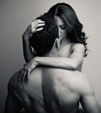 """10 Reasons We�re Having Sex With Younger Men by Rose Burke  """"They're introducing themselves as freshman at our tailgate parties, flexing in front of mirrors at our gyms, partying with our younger brothers, and serving us margaritas at our local bars. We're immediately lured in by the halo of naivety in their eyes and that rare opportunity to be the more, ahem, practiced individual under the sheets.""""  http://www.scandalouswomen.com/10-reasons-were-having-sex-with-younger-men/"""