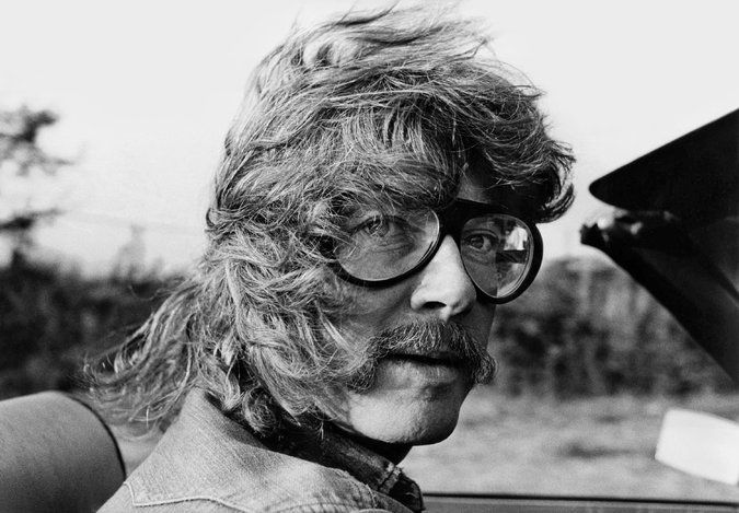 "'Tibetan Peach Pie,' a Tom Robbins Memoir - NYTimes.com Tom Robbins in 1976. Mr. Robbins is known mostly for novels like ""Even Cowgirls Get the Blues."" But his new book, ""Tibetan Peach Pie,"" is a memoir."