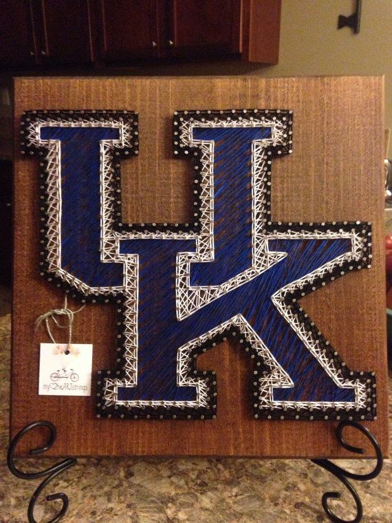 String art University of Kentucky Wildcats by my2heARTstrings