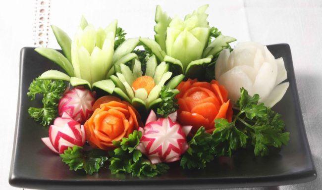 Gemüse schnitzen blumen-karotten-teller-deko