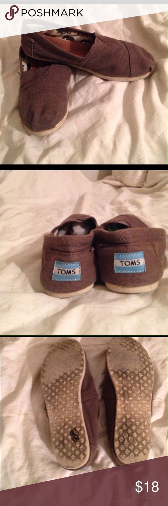 Gray TOMS Perfect for spring TOMS Shoes Flats & Loafers