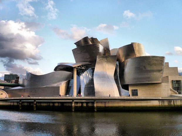 Guggenheim Museum, Bilbao, España #Museos