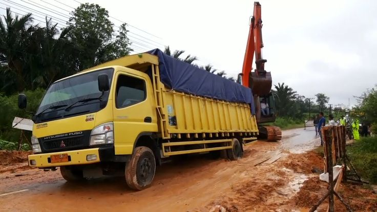 Heavy Truck Recovery - Truck Stuck In Mud | Recovery Excavator