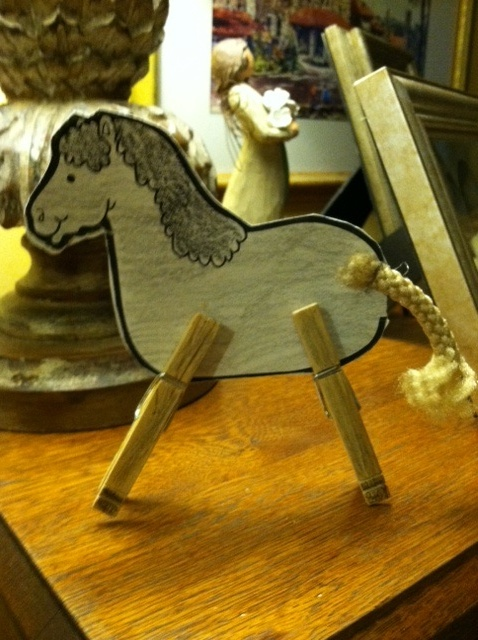 This horse so easy with clothes pins and cord. Design Sherrill's kids.